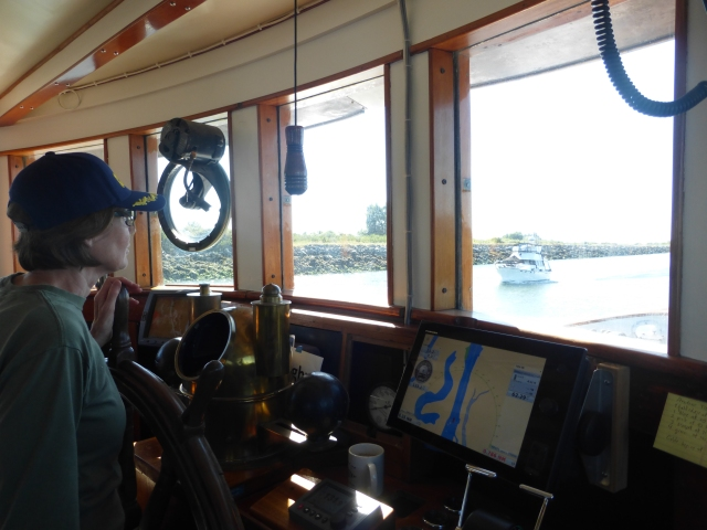 Navigating the narrow Swinomish Channel